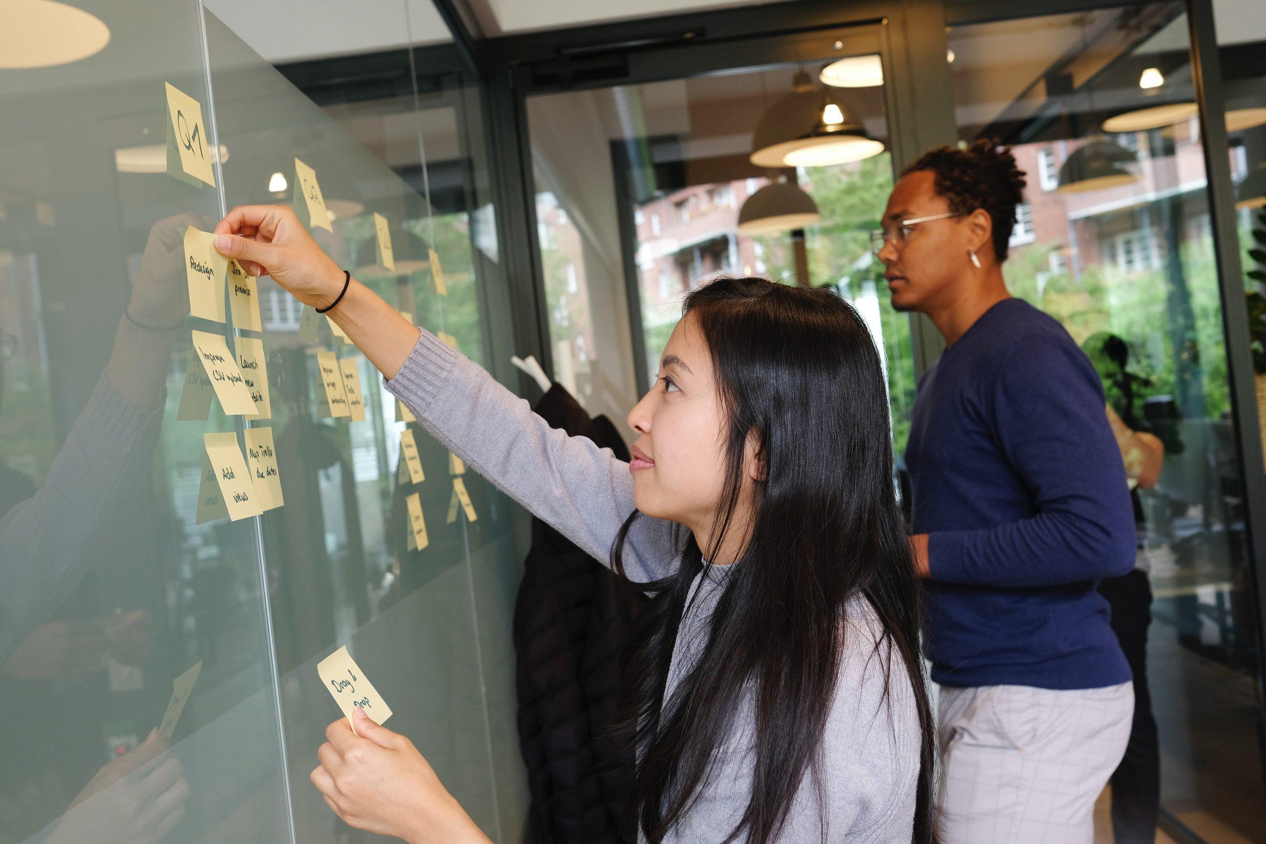 Le métier de Product Manager expliqué par Emilie GIELER (VP Plateform & UX) et Thomas LETSCHER (PM Akeneo Connectors)